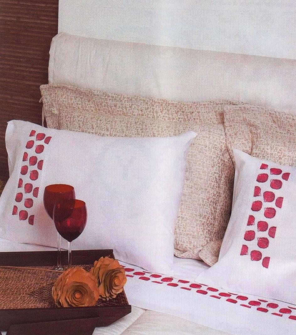 Disegni Per Lenzuola Matrimoniali.Lenzuolo Matrimoniale Petali Di Rosa Rossi Punto Croce 1