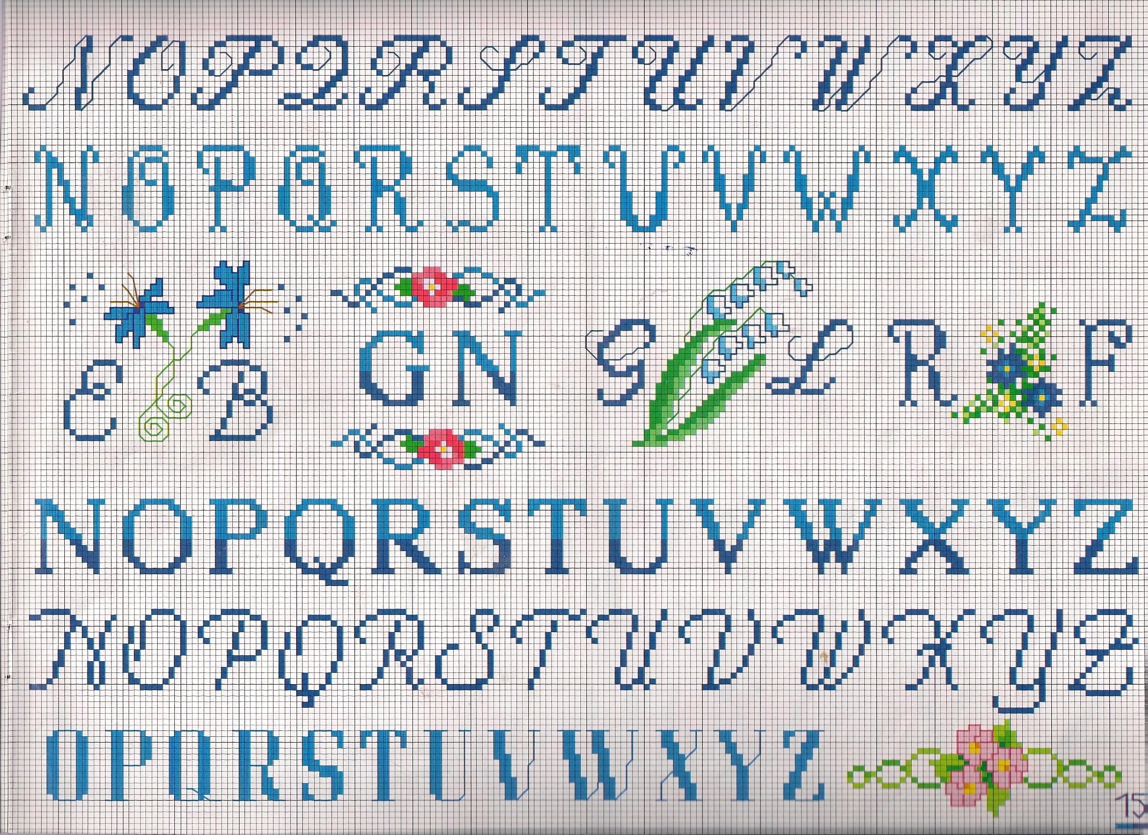 Alfabeto iniziali fiorellini punto croce for Punto croce schemi alfabeto