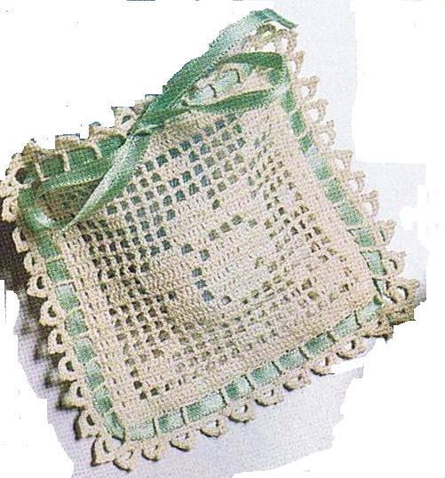 Bomboniera sacchetto uncinetto quadrato 1 magiedifilo for Merletti all uncinetto schemi