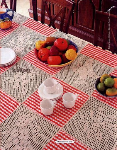 Tovaglia filet piastrelle frutta 5 for Piastrelle uncinetto filet schemi