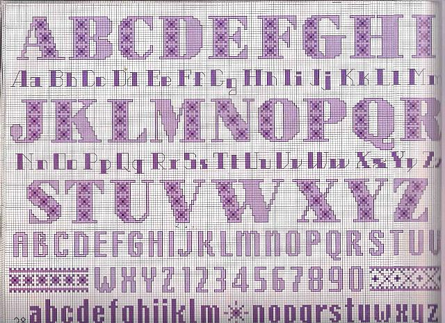 Alfabeto punto croce lettere viola minuscole e maiuscole for Lettere a punto a croce