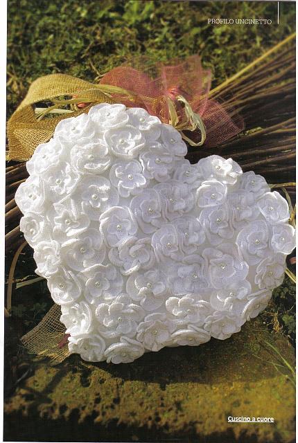 Cuscino portafedi cuore fiorellini 1 - Cuscino portafedi punto croce ...