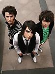 Jonas Brothers 3 240x320 sfondo wallpaper
