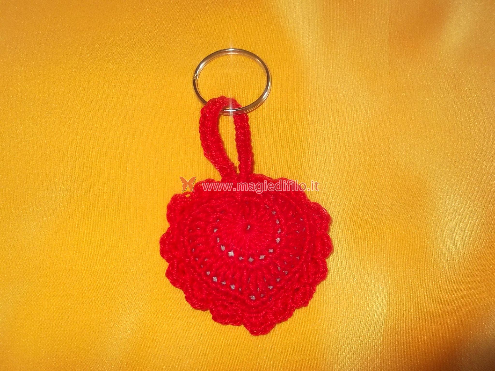 Tutorial Uncinetto Cuore Amigurumi : Realizzare un portachiavi alluncinetto a forma di cuore ...